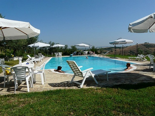 Agriturismo il portico wolftour tour operator in abruzzo - Agriturismo abruzzo con piscina ...
