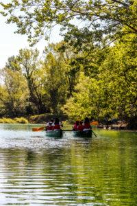 In canoa canadese sul Lago di Penne gallery